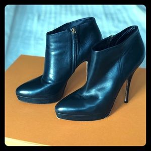 GUCCI calfskin booties